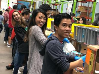 Couldn't be more proud of our Phi Delta Chi Brothers and Candidates for giving up their Sunday Morning to give back to the community by volunteering at the Houston Food Bank. We helped sort 12 tons of food into boxes which is equivalent to 23,000 meals! #AAAE #HoustonFoodBank #HFB